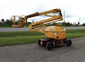 Used Grove Articulating Manlift