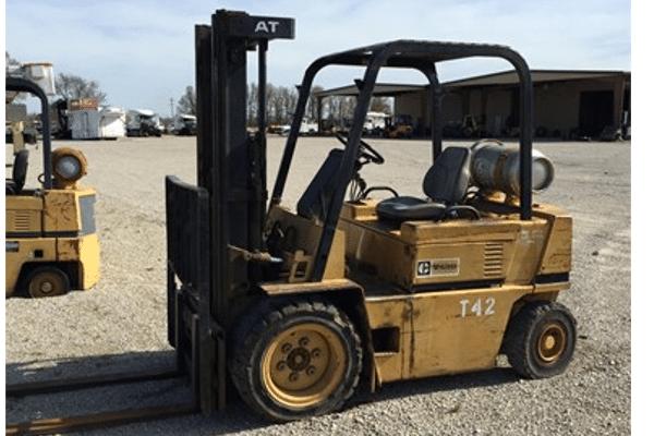 Used Forklift - Caterpillar V40D