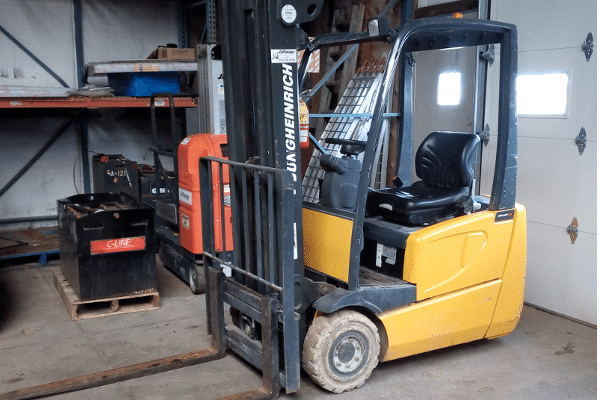 Used Jungheinrich 3 wheel electric forklift