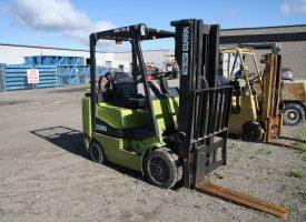Clark Forklift - 01-U7098