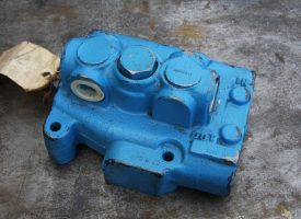 Clark Hydraulic Control Valve 1692517