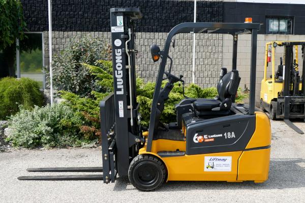 New Forklift   N557LIUGONG – CLG2018-T3,500 lb cap   189″ lift